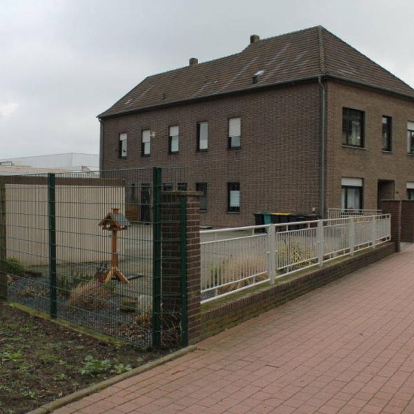 Mehrfamilienhaus mit viel Freifläche